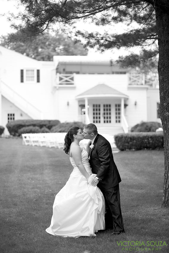 Fox Hill Inn, Brookfield, CT Wedding Pictures Photos, Victoria Souza Photography, vintage, rustic, DIY, Anthropologie, Best CT Wedding Photographer