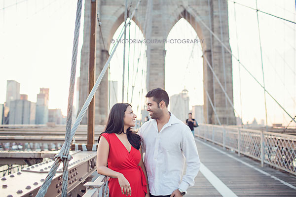 brooklyn bridge, brooklyn, NY, Wedding Engagement Pictures Photos, Victoria Souza Photography, Best NY Wedding Photographer