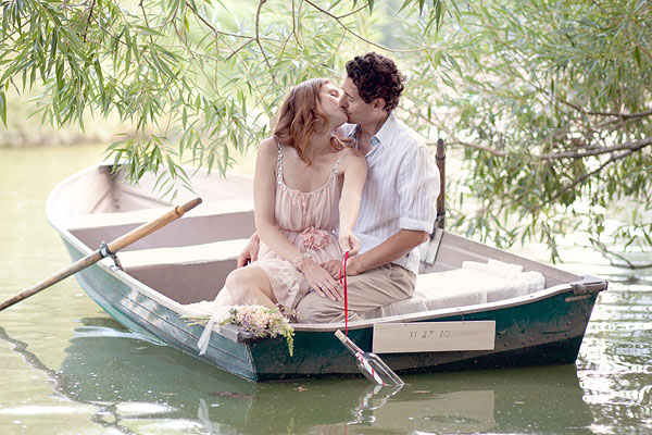 New York, NY, Central Park, Boats, picnic, Wedding Engagement Pictures Photos, Victoria Souza Photography, Best NY Wedding Photographer