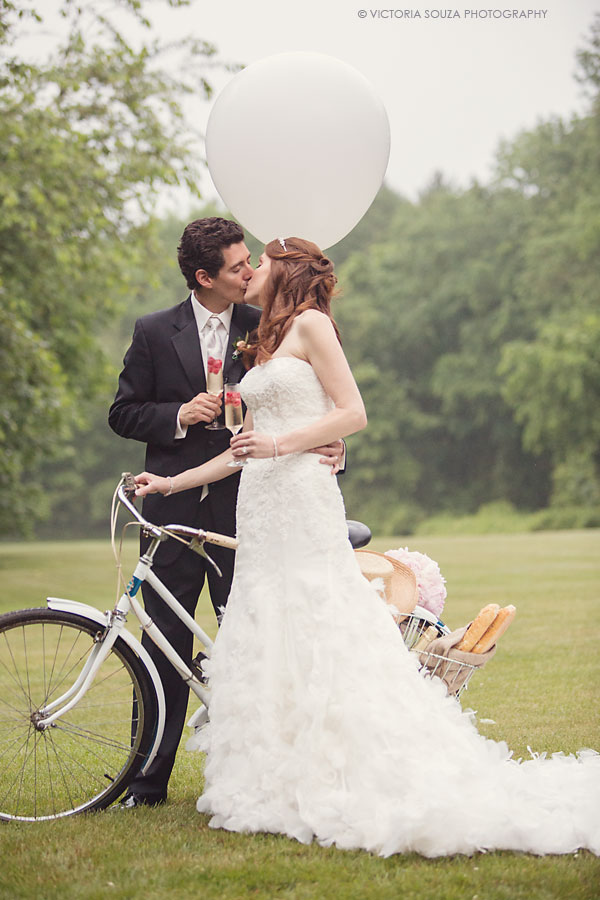 vintage bicycle, balloon, Lord Thompson Manor, Thompson, CT, elegant, luxury, Wedding Pictures Photos, Victoria Souza Photography, Best CT Wedding Photographer