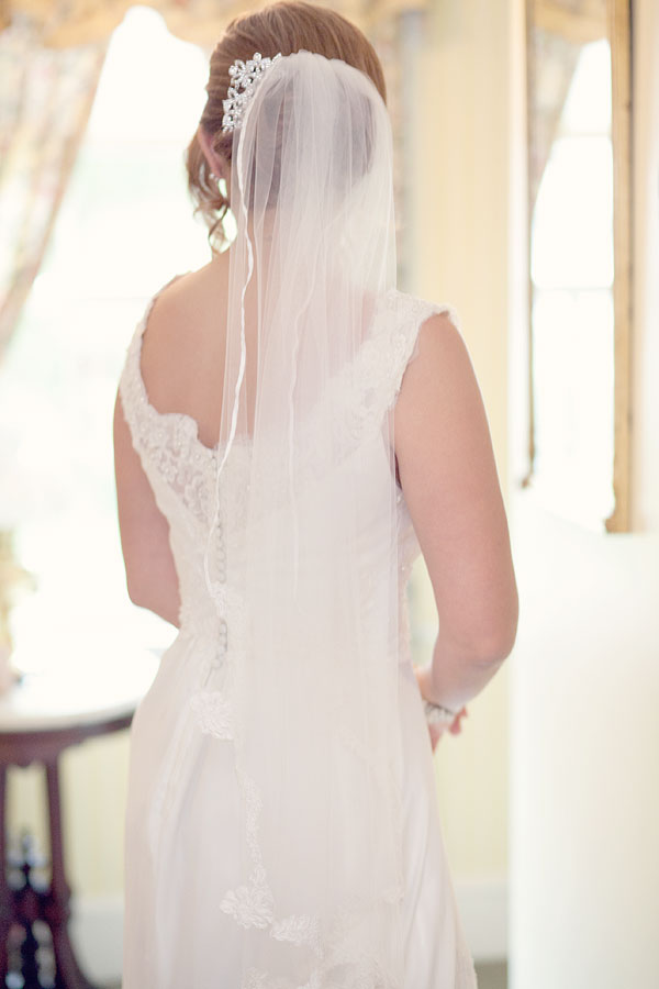 vintage lace wedding gown veil, christ and holy trinity church, inn at longshore, westport, ct, Wedding Pictures Photos, Victoria Souza Photography, Best CT Wedding Photographer