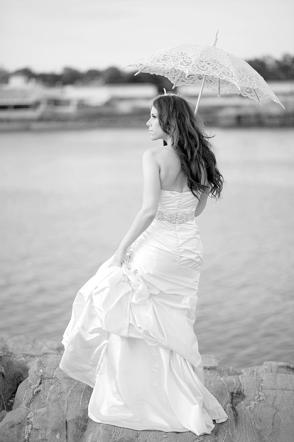 Glen Island Harbor Club, new Rochelle, bridal portrait, white lace parasol, Wedding Pictures Photos, Victoria Souza Photography, Best NY Wedding Photographer