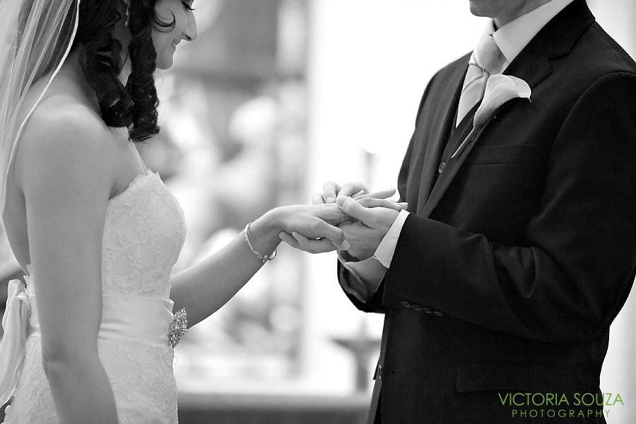 Candlewood Inn, Brookfield, CT Wedding Pictures Photos, Victoria Souza Photography, Ring Exchange, Best CT Wedding Photographer