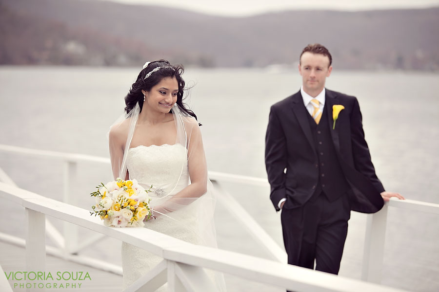 Candlewood Inn, Brookfield, CT Wedding Pictures Photos, Victoria Souza Photography, Lake Wedding picture, Best CT Wedding Photographer