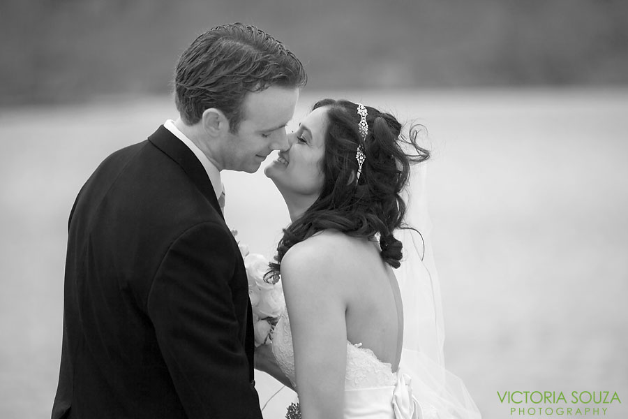 Candlewood Inn, Brookfield, CT Wedding Pictures Photos, Victoria Souza Photography, Yellow Flowers, Best CT Wedding Photographer