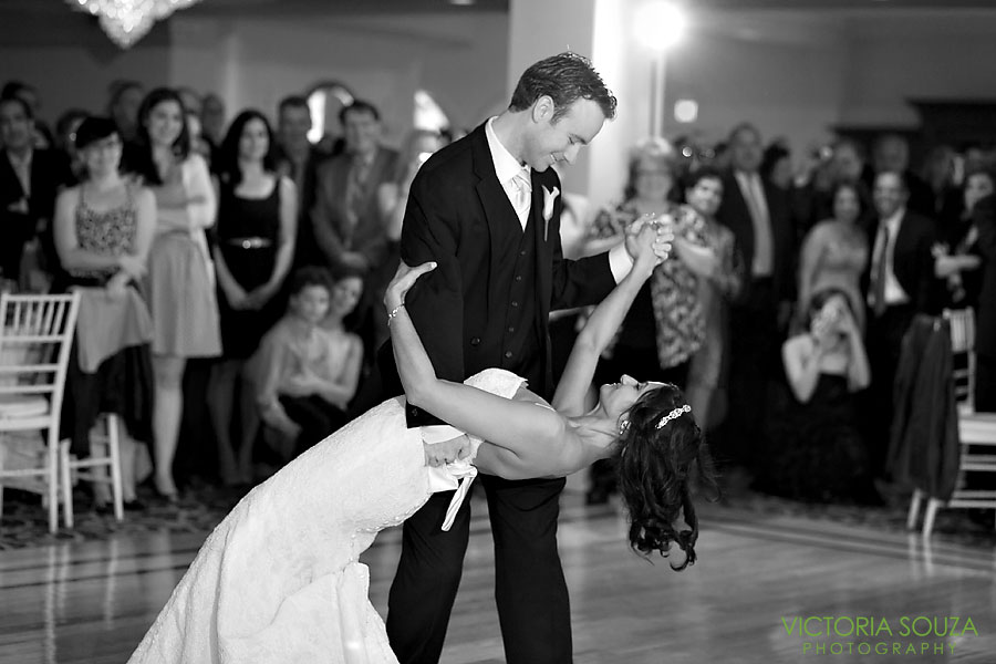 Candlewood Inn, Brookfield, CT Wedding Pictures Photos, Victoria Souza Photography, First Dance Bride and Groom, Best CT Wedding Photographer