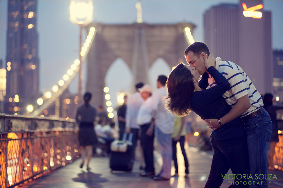 CT Wedding Photographer, Victoria Souza Photography, Brooklyn Bridge, Night, Evening, Brooklyn, NY, Engagement Wedding Portrait Photos