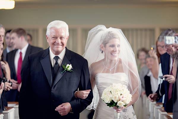 pouf bridal veil, waterview, monroe, ct, Wedding Pictures Photos, Victoria Souza Photography, Best CT Wedding Photographer