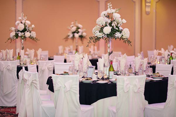 white chair covers bow, white centerpieces, waterview, monroe, ct, Wedding Pictures Photos, Victoria Souza Photography, Best CT Wedding Photographer